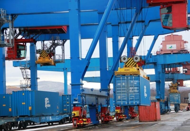 За 6 месяцев 2013 года снизились перевозки контейнерными поездами в Украине